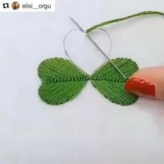 Ribbon Embroidery Tutorial, Hand Embroidery Patterns Flowers, Basic Embroidery Stitches, Hand Embroidery Videos, Embroidery Flowers Pattern, Simple Embroidery, Silk Ribbon Embroidery, Broderie Simple, Christmas Embroidery