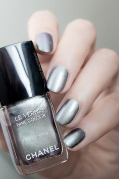Chanel Sweet Star polish - Review & Swatches: http://sonailicious.com/chanel-sweet-star-nail-polish-review-swatches/