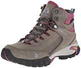 Top 30 Best Women's Hiking Boots In 2018 - Adventure Hike Travel. Vasque Women's Talus Trek UltraDry Hiking Boot Rugged on the outside.Take on campgrounds, hikes or any adventure just about any time of year in these Hiking Boots! Best Hiking Boots, Hiking Boots Women, Hiking Shoes, Cute Hiking Outfit, Trekking Outfit, Backpacking Gear, Hiking Gear, Columbia, Climbing Outfits