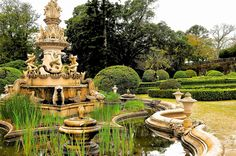 Fountain of the 40 spouts Topiary Garden, Garden Art, Travel Inspiration, Fountain, Things To Do, Places To Go, Spain, Mansions, House Styles