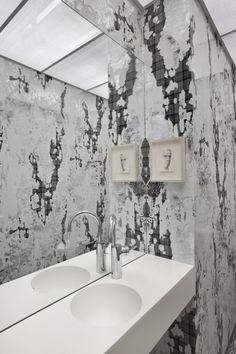 Pour Se Rappeler Les Miroirs Teintes Et Vieillis De Chez Restaurant Restaurant Beautiful Bathrooms Loft
