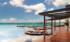 ราคาเริ่มต้นที่ 25,000 บาท (รวมอาหารเช้าที่ The Kitchen Table) 4/1 หมู่ 1 หาดแม่น้ำ เกาะสมุย จ. สุราษฎร์ธานี  โทร. 077-915-999