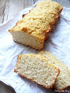 This cake mix banana bread recipe only needs 3 ingredients! Cake Mix Banana Bread, Banana Bread Recipes, Banana Bread 3 Ingredient, Corn Recipes, Skinny Recipes, Different Recipes, Coffee Cake, 3 Ingredients, Food And Drink