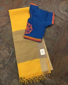 Keeping it simple and cool for summer. Cotton saree matched with a cotton blouse. Sold separately. Whatsapp us at 9108558485 or email us at service.taamara@gmail.com for online enquiries/orders. handloomsarees summercottons houseoftaamara instadaily sarees blouses readymadeblouses mixandmatch casualwear silver silverjewelry sareeblouses