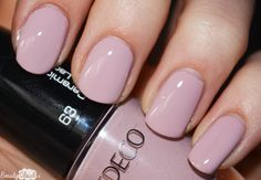 Artdeco Talbot Runhof Collectie Ceramic Nail Lacquer 63 Rosy Starling Swatch