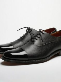 Grenson Bert. It's like i'm taking it to the next level! Que mario bros 1up tune!