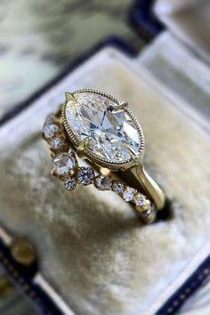 Antique Wedding Rings, Antique Rings, Vintage Engagement Rings, Vintage Rings, Antique Jewelry, Vintage Jewelry, Vintage Wedding Ring Sets, Gothic Wedding Rings, Vintage Diamond