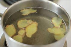 Apa cu lămâie şi ghimbir poate fi consumată pe parcursul zilei, înlocuind cu succes apa consumată în mod obişnuit.
