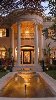 Luxury Homes and Estates   @LuxurydotCom via Houzz