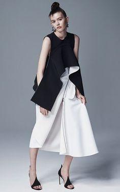 Maticevski Spring Summer 2016 Look 33 on Moda Operandi Fashion Show, Fashion Outfits, Womens Fashion, Fashion Trends, Merian, Fashion Designer, Mode Inspiration, White Fashion, Fashion Details