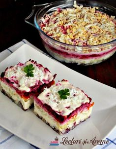 salata ruseasca cu peste afumat Timbale Recipe, Amazing Food Decoration, Steak Salat, Chicken Pasta Bake, Happy Kitchen, Romanian Food, Healthy Salad Recipes, Good Food, Food And Drink