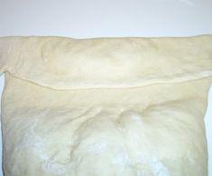 Kotitekoiset lihapiirakat - Makunautintoja Mimmin keittiöstä - Vuodatus.net Sandwiches, Throw Pillows, Toss Pillows, Cushions, Decorative Pillows, Paninis, Decor Pillows, Scatter Cushions