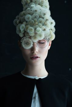 """Dandelion"" is a beautiful series of images produced by French photographer Isabelle Chapuis and botanical artist Duy Anh Nhan Duc. ""Our first collaboration has given… Creative Photography, Portrait Photography, Artistic Fashion Photography, Photography Ideas, Fotografie Hacks, Tableaux Vivants, Foto Fashion, Fashion Face, Beautiful Series"