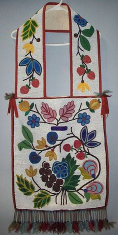 bandolier bags for auction | 2065: CHIPPEWA APPLIQUE BEADED BANDOLIER BAG : Lot 2065