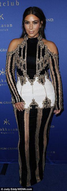 Kim Kardashian makes a triumphant return to the red carpet in Las Vegas   Daily Mail Online