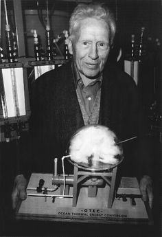Shamcher Beorse holds the model of an OTEC plant - Ocean Thermal Energy Conversion. He had been a pupil of the great Sufi Inayat Khan. Thermal Energy, Sufi, Hold On, Author, How To Plan, Model, Books, Plant, Ocean