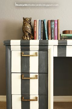 Gorgeous desk makeover with ASCP graphite and old white Annie Sloan chalk paint