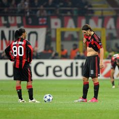 Soccer Couples, Ac Milan, Best Player, Football Players, Baseball Cards, Legends, Content, Sport, Game