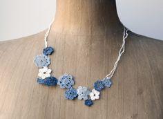 Paper Yarn Crochet Flower Necklace by PaperPhine Crochet Rings, Crochet Bracelet, Crochet Art, Thread Crochet, Crochet Flowers, Textile Jewelry, Fabric Jewelry, Jewellery, Jewelry Necklaces