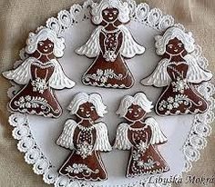 Bilderesultat for ceske  perniky obrazky Gingerbread Village, Christmas Gingerbread, Gingerbread Cookies, Brownie Cookies, Cookie Bars, Bar Cookies, Angel Cookies, Honey Cake, Cookie Designs