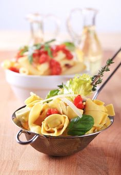 Ensalada de tortellini  - 10 Recetas de Comida para Llevar al Trabajo