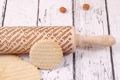 MERRY CHRISTMAS - personalizowany wałek do ciasta (proj. Mood For Wood), do kupienia w DecoBazaar.com