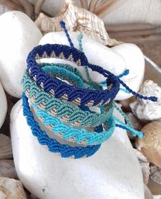 Sometimes in the waves of change we find the true direction Amphitrite macrame sea waves bracelet: Amphitrite in Gre Macrame Bracelet Patterns, Macrame Patterns, Macrame Jewelry, Macrame Bracelets, Colorful Bracelets, Love Bracelets, Handmade Bracelets, Friendship Bracelets, Surfer Bracelets