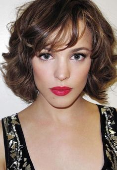 The medium short wavy hairstyles become popular nowadays. It's a good style with the chic and cheerful nuance. The wavy hair has its cool effect on making Celebrity Short Hair, Short Wavy Hair, Thick Hair, Curly Bob, Short Curls, Celebrity Wigs, Big Curls, Straight Hair, Wavy Lob