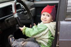 #Dreijähriger unternimmt Spritztour mit Opas #Auto