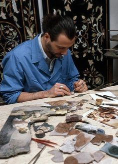Leonardo Scarpelli of the Scarpelli Mosaic studio (Via Ricasoli 59/r) practices the art of mosaico fiorentino, otherwise known as pietre dure. This craft dates back to the Renaissance period and is used to create anything from jewelry to furniture.