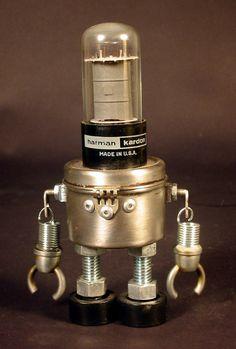 http://harris-built.deviantart.com/art/Robot-007-Harman-200032741