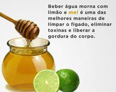 Água morna com limão e mel.