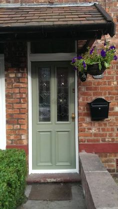 22 Ideas Exterior Paint Colours For House Dulux Front Doors Green Front Doors, Painted Front Doors, Front Door Colors, Exterior Paint Colors For House, Paint Colors For Home, Paint Colours, Exterior Colors, French Country Exterior, Traditional Front Doors
