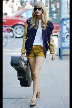 I LOVE THIS OUTFIT. Just love her so much.. #taylorswift (: