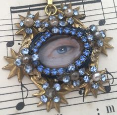 Cameo Jewelry, Eye Jewelry, Royal Marriage, Lovers Eyes, Oval Frame, Unique Gifts, Handmade Gifts, Star Pendant, Brass Chain