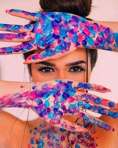 New photography artistique photoshoot eyes Ideas Paint Photography, Creative Portrait Photography, Portrait Photography Poses, Photography Poses Women, Tumblr Photography, Photography Editing, Photo Poses, Inspiring Photography, Photography Tutorials