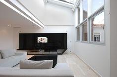 Interior Design, Interior Decorating Ideas Dark Tv Background And Charming Flooring Style: Interior decorating ideas: Extraordinary Urban Re...