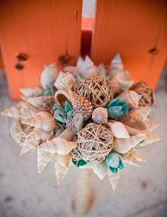 47 Traditional And Unconventional Beach Wedding Bouquets | HappyWedd.com