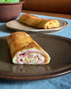 Cyril Lignac& ham pancake recipe makes your mouth water, Chefs, Food Porn, Tomate Mozzarella, Breakfast Casserole, Eating Plans, Cooking Time, Hot Dog Buns, Smoothie Recipes, Tofu