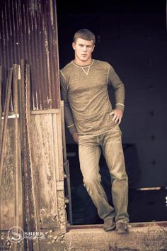 Senior Guy Style | Shirk Photography | Iowa Portrait Art