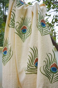 Fabric-painted-DIY-curtains-DIY-painted-curtain-DIY-stencil-painted-curtain-Fevi… As it pertains to bedroom furnishings strategies, a few things get core stage. Feather Stencil, Stencil Fabric, Stencil Diy, Stencil Painting, Fabric Painting, Fabric Paint Shirt, Stencils, Saree Painting Designs, Fabric Paint Designs
