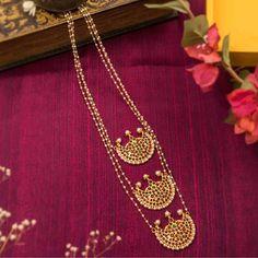 Designer Jewelry Long Necklace 3 Layered Motif Designs With Kemp Stones – Jumkey Fashion Jewellery India Jewelry, Temple Jewellery, Fine Jewelry, Gold Jewelry, Antique Jewelry, Royal Jewelry, Pearl Jewelry, Antique Gold, Vintage Jewelry