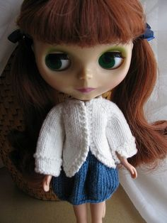 *Download Pattern*  Blythe is the perfect doll to knit for, she is so versatile and everything looks good on her.  This is one of the first ...