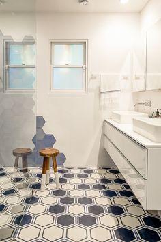 Beautiful bathroom floor tile