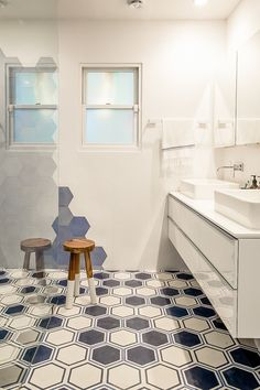 Beautiful bathroom floor tile