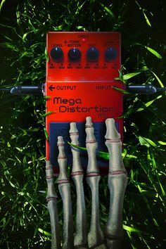Mega Distortion - Extreme Distortion for Extreme Music Boss Effects, Boss Pedals, Free Iphone Wallpaper, Guitar Pedals, Distortion, Music Stuff, Tech, My Love, Funny