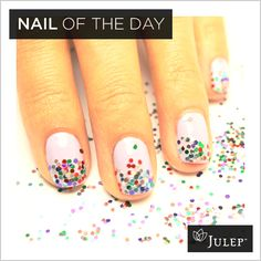 Nail of the Day: Glitter, glitter and more glitter #nails
