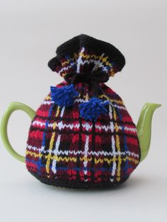 Tea Cosy Folk Tea cosy knitting patterns and hand knitted tea ...
