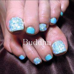 buddha_nail blue toenails