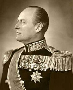 King Olav V 2 July 1903 to 17 January 1991. Son of King Haakon VII and Queen Maud. Succeeded his father as king of Norway on 21 September 1957. Consecrated in Nidaros Cathedral on 22 June 1958. Children: King Harald, Princess Ragnhild and Princess Astrid. Buried in the Royal Mausoleum at Akershus Castle in Oslo. King Olav 1953 (Photo: E. Rude, the Royal Court Archive)